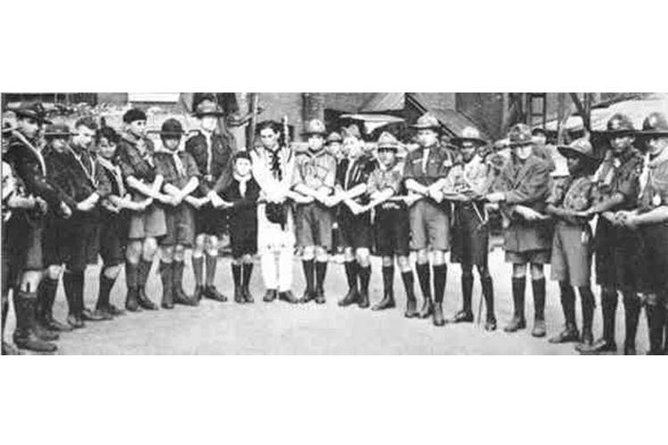 Para peserta dari berbagai negara dalam Jambore Pramuka Dunia pertama pada 30 Juli 1920.