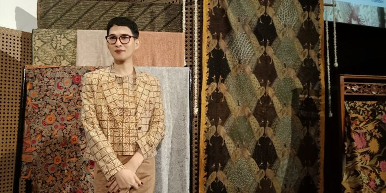 Indonesian designers are slated to showcase batik cloths and ready-to-wear collections this summer in Paris. Image: Kompas.com/Nabilla Tashandra