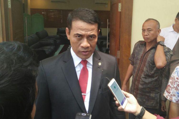 Menteri Pertanian Andi Amran Sulaiman dalam sela-sela acara Orasi Menteri Pertanian di Universitas Hasanuddin, Makassar, Rabu (6/9/2017).