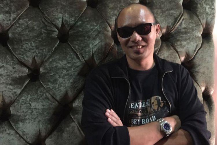 Penabuh drum Surendro Prasetyo atau yang biasa disapa Yoyo PADI di Hotel Amarossa Grande, Kota Bekasi, Jawa Barat, Rabu (9/8/2017).