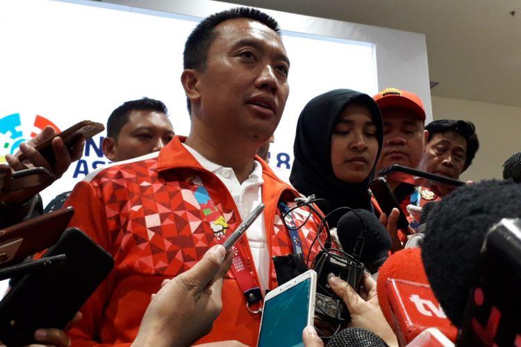 Menpora Imam Nahrawi mendampingi atlet para judo Indonesia, Miftahul Jannah dalam sebuah konferensi pers yang digelar di GBK Arena, Jakarta, Selasa (9/10/2018).