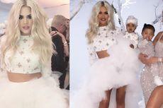 Khloe Kardashian Gunakan Gaun Rancangan Desainer Indonesia