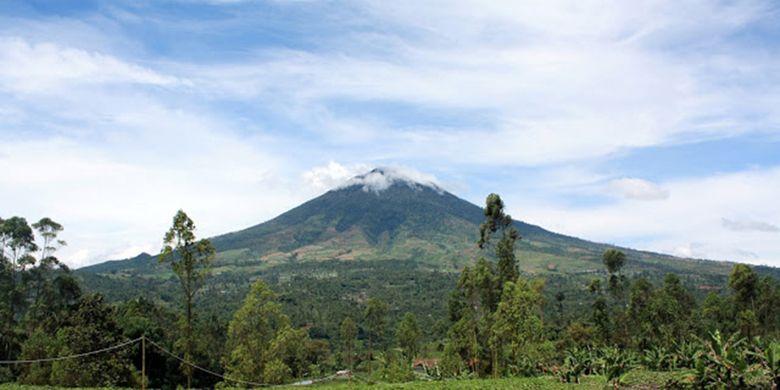 Mount Cikuray from Cisurupan, Garut.