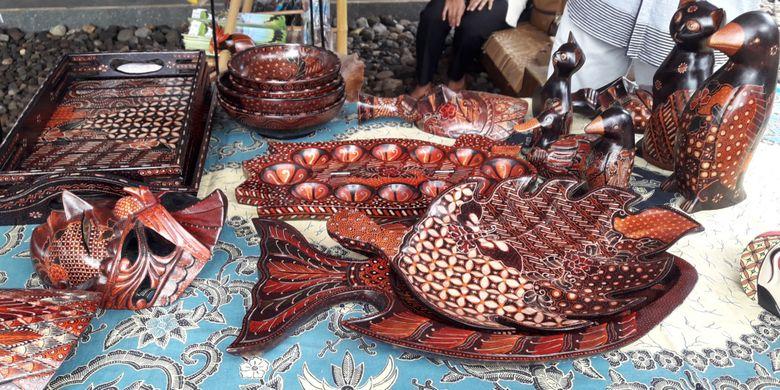 Kerajinan tangan dari Desa Nglanggeran, Yogyakarta.