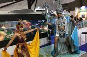 Eric dan Kostum 'Mercusuar Pulau Lengkuas' Dipamerkan di Milan