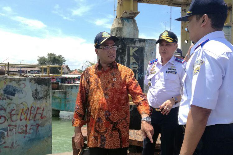 Menteri Perhubungan Budi Karya Sumadi di Pelabuhan Kalianget, Kabupaten Sumenep, Jawa Timur