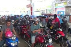 BBM Langka, Kendaraan Pemudik Antre hingga 2 Km di Trans Sulawesi