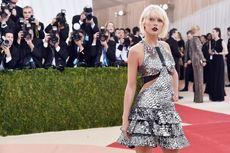 Taylor Swift Tumbangkan