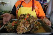 Suka Pedas? Wajib Icip Mangut Manyung Bu Fat di Semarang