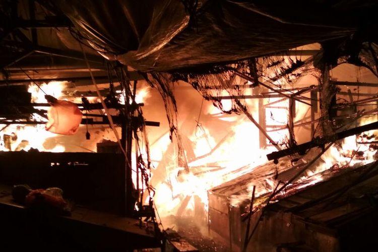 Kebakaran di Pasar Gembrong Lama Jakarta Pusat, Jumat (8/12/2017)