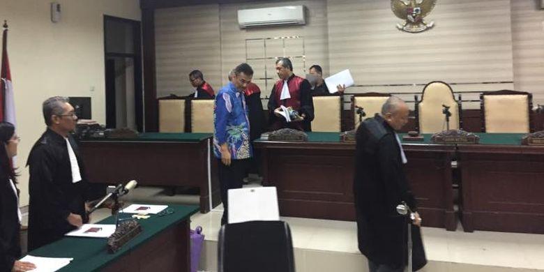 Sidang perdana kasus korupsi wali kota Madiun non aktif Bambang Irianto