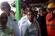 Menteri BUMN Pasangkan Listrik Gratis Rumah Panggung di Tasikmalaya