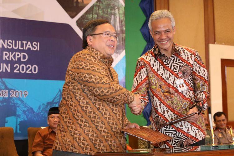Gubernur Jawa Tengah Ganjar Pranowo bersama Menko Perekonomian Bambang Brodjonegoro