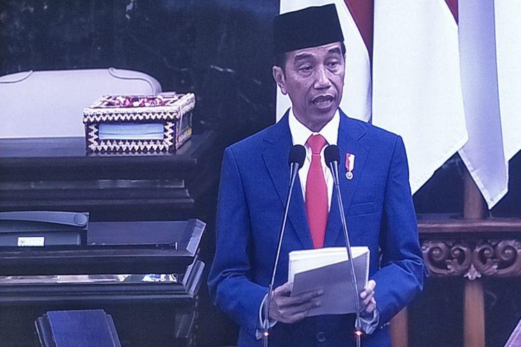 Presiden Joko Widodo saat menyampaikan keterangan pemerintah atas RUU APBN 2020 dan Nota Keuangan dalam Rapat Paripurna DPR di Kompleks Parlemen, Senayan, Jakarta, Jumat (16/8/2019).