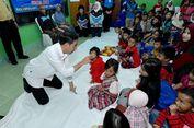 Jokowi Gelar Kuis Berhitung untuk Anak-anak Korban Gempa, Jawabannya Selalu 'Sembilan'