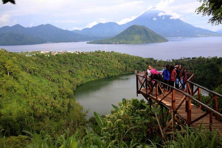 Gunung Gamalama dan 5 Wisata Cantik Lain di Ternate