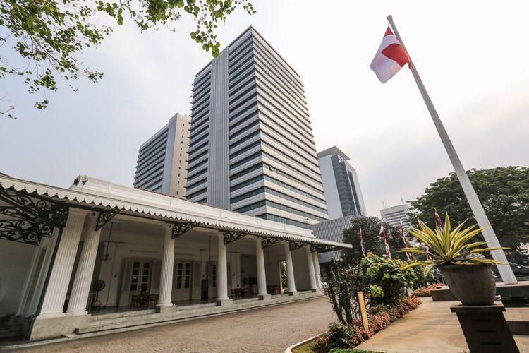 Suasana gedung Balai Kota DKI Jakarta di Jalan Medan Merdeka Selatan, Senin (4/9/2017).