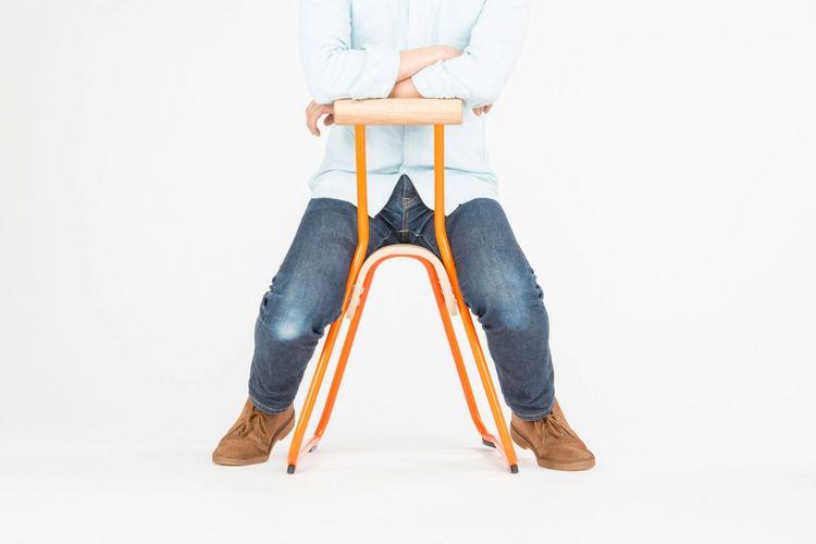 Struktur kursi ini sendiri mampu mendorong anak untuk duduk tegak yang penting bagi pertumbuhan tulang belakang.