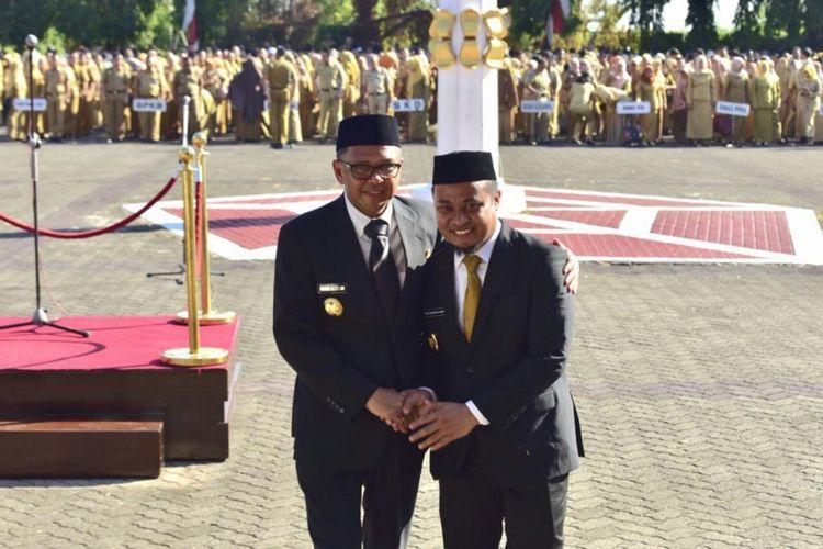 Gubernur Sulsel,  Prof DR Nurdin Abdullah dan Wakil Gubernur Sulsel,  Andi Sudirman Sulaiman usai mengikuti upacara pengibaran bendera di kantor Gubernur Sulsel Jl Urip Sumoharjo,  Makassar,  Senin (10/9/2018).