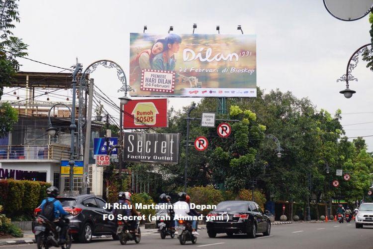 Menyambut hari Dilan yang akan dilaksanakan pada 24 Februari 2019 nanti, rumah produksi Max Pictures menempatkan lebih dari 30 baliho Dilan di Bandung dan sekitarnya. Pemasangan baliho tersebut dimulai sejak Selasa (12/2/2019) kemarin.