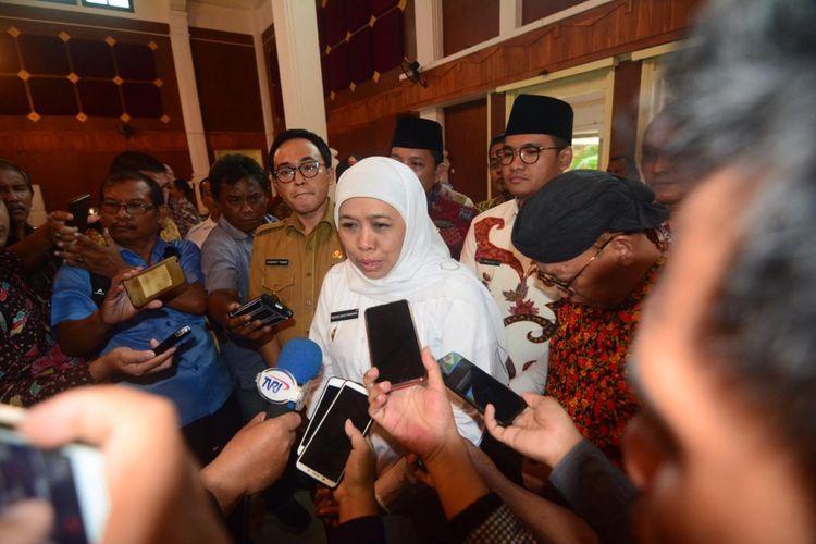 Gubernur Jawa Timur terpilih, Khofifah Indar Parawansa akan segera mencairkan anggaran Bosda Madin dan menggratiskan SPP untuk tingkat SMA sederajat baik sekolah swasta dan negeri