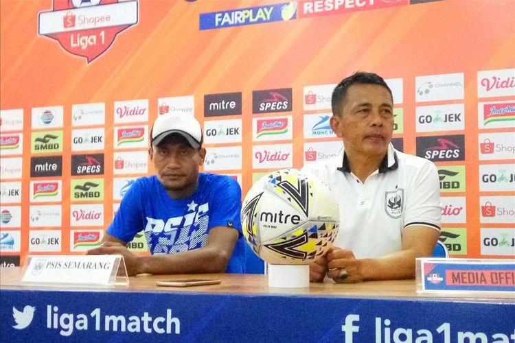 Pelatih PSIS Semarang Jafri Sastra saat jumpa pers di Stadion Maguwoharjo, Sleman.