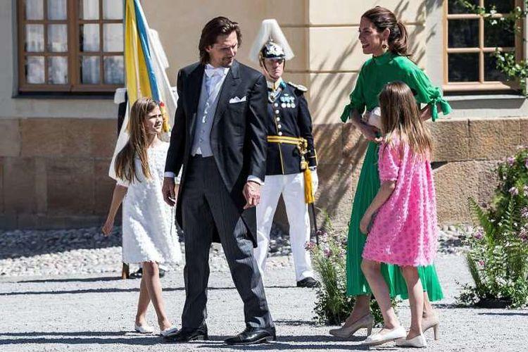 Hadiri Acara Kerajaan, Rok Istri Keponakan Ratu Swedia Melorot
