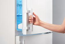 Manfaat Lain Freezer, Membuka Amplop hingga Cuci Jins