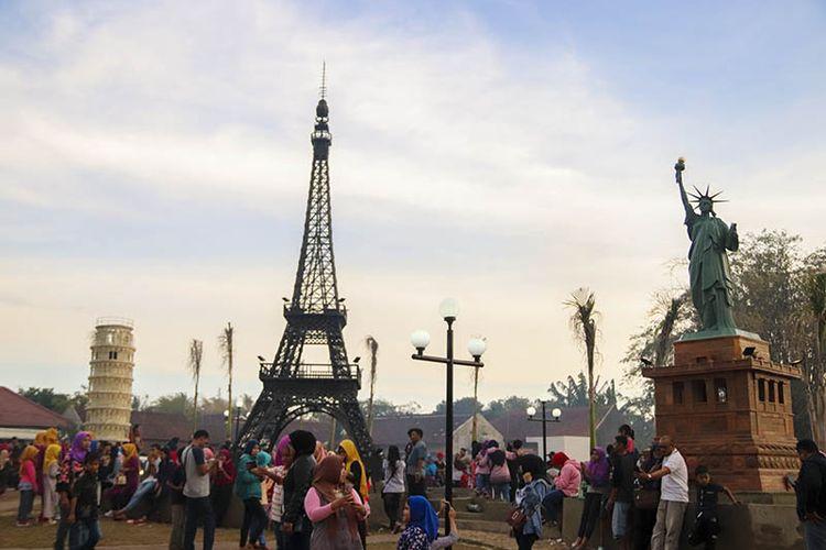 Patung Liberty, Menara Eiffel, dan Menara Pisa kini hadir di Boyolali