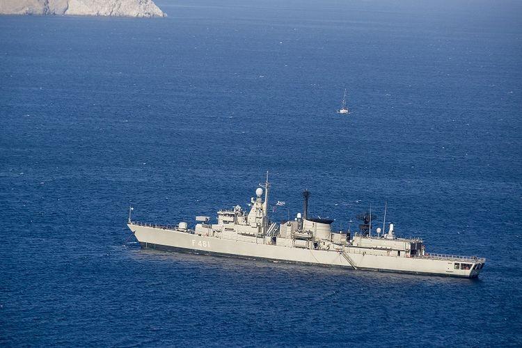 HS Navarinon, salah satu fregat milik AL Yunani.