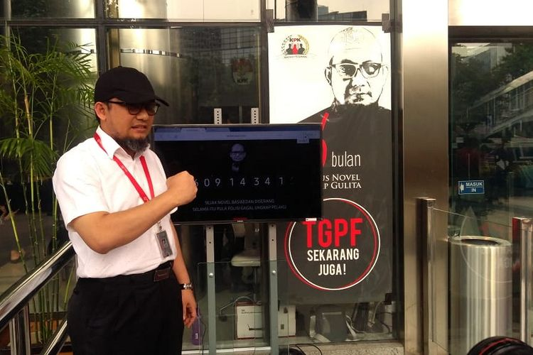 Penyidik Senior KPK Novel Baswedan di Gedung Merah Putih KPK, Jakarta, Selasa (11/12/2018)