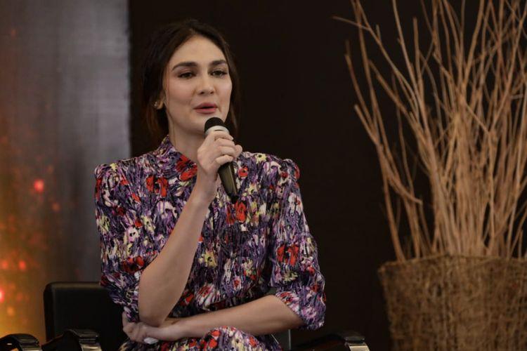 Artis peran Luna Maya berbicara dalam jumpa Indonesian Movie Actors Awards 2019, yang berlangsung di MNC Studios, Kebon Jeruk, Jakarta Barat, Selasa (19/2/2019).