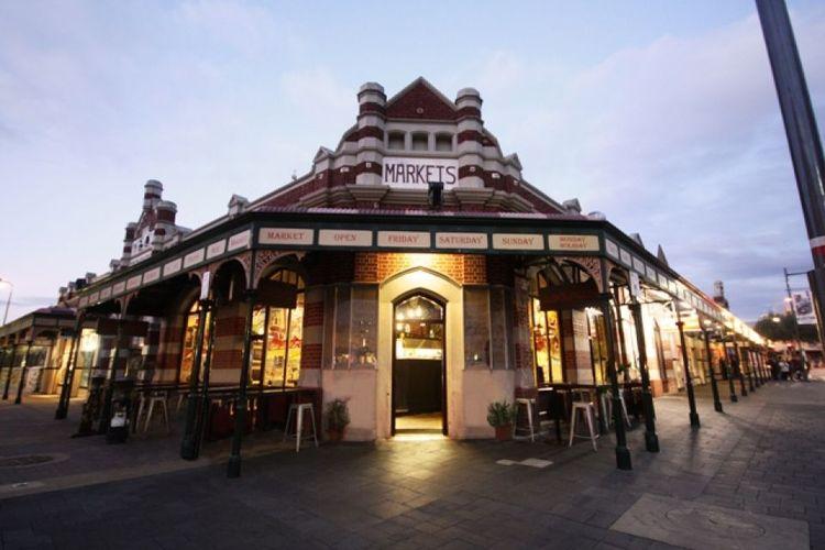 Cappucino Strip merupakan sebuah kawasan di Fremantle, Australia Barat yang menyediakan deratan kafe dan restoran.