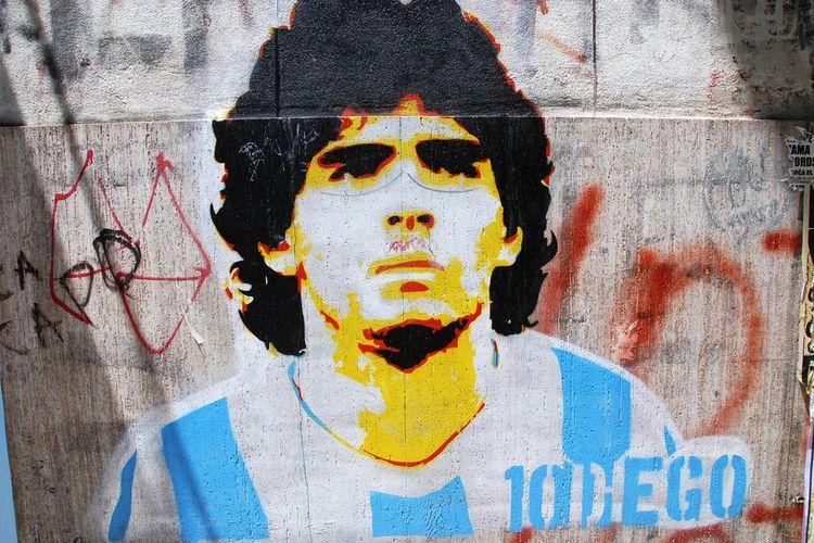 Grafiti Diego Maradona di Buenos Aires, Argentina. Gambar diambil pada 24 November 2011.