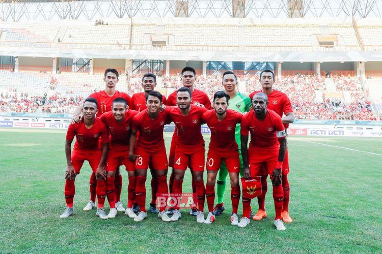Susunan pemain utama Timnas Indonesia saat menghadapi Mauritius pada pertandingan uji coba di Stadion Wibawa Mukti, 11 September 2018.