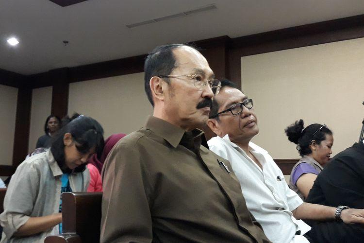 Fredrich Yunadi sebelum sidang putusan sela di Pengadilan Tipikor Jakarta, Senin (5/3/2018).
