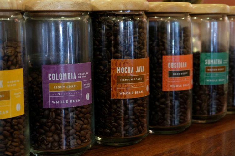 Dua jenis kopi Indonesia terpilih sebagai suguhan Caribou Coffee di seluruh gerai di dunia. Dua jenis kopi tersebut adalah Sumatera (single origin) dan Mocha Java (blend antara Jawa, Yemen, Kosta Rika, dan Ethiophia).