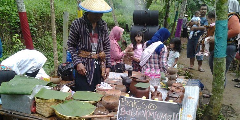 Bakso bathok di Radja Pendapa, Kabupaten Kendal, Jawa Tengah.