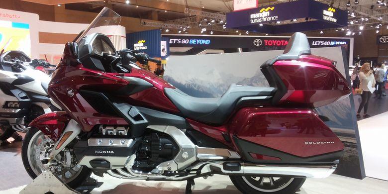 Honda Gold Wing yang dipamerkan di stan Honda di pameran Indonesia International Motor Show (IIMS) 2018 di JIExpo Kemayoran, Jakarta.