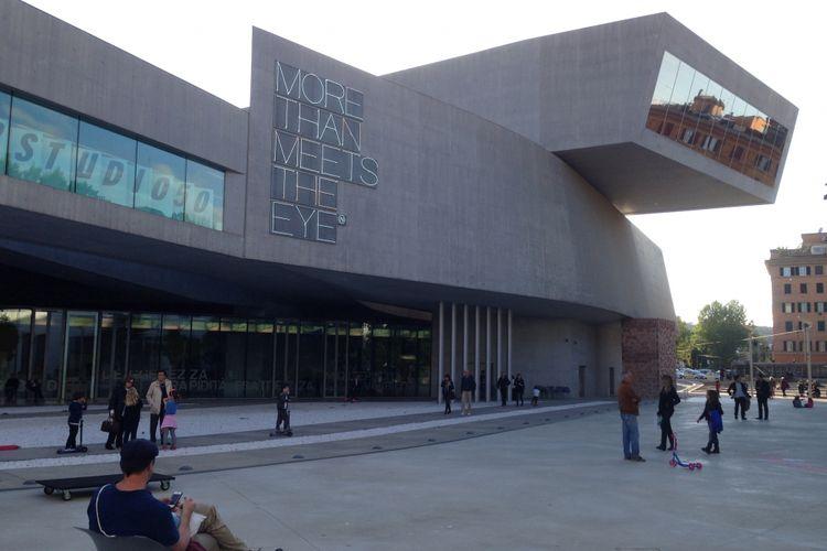 MAXXI National Museum merupakan bangunan nasional Italia pertama yang dibangun dengan rancangan kontemporer.