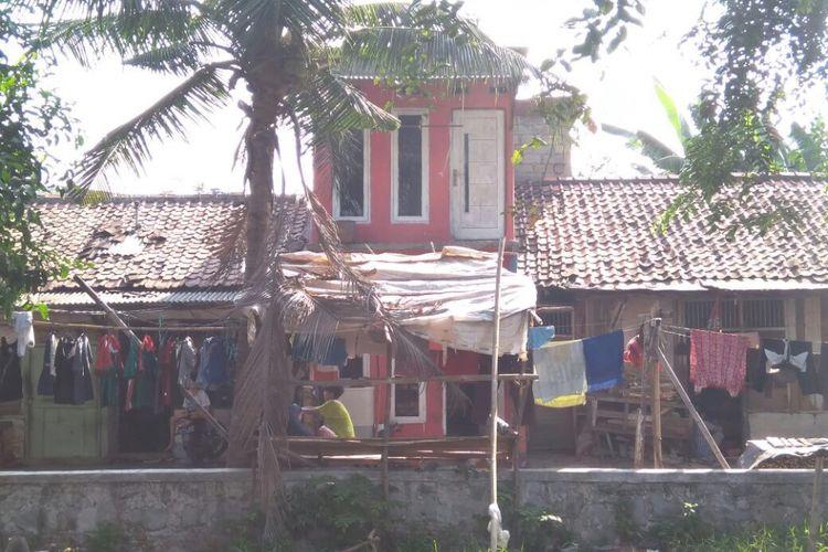 Bangunan liar masih banyak berdiri di Kecamatan Medan Satria, Kota Bekasi.