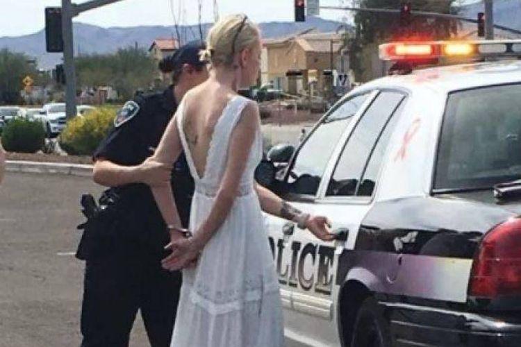 Amber Young yang sudah mengenakan gaun pengantin ditangkap karena mengemudi dalam kondisi mabuk.