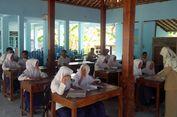 Atap Ruang Kelas Runtuh Dimakan Rayap, Proses KBM Siswa Terganggu