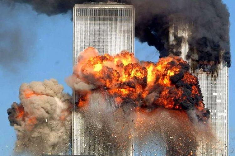 Pembajak pesawat membunuh hampir 3.000 orang selama serangan terkoordinasi pada 11 September 2001. Serangan itu antara lain menarget menara kembar World Trade Center (WTC) di New York City, AS.