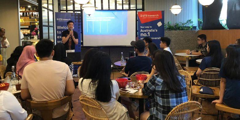 UTS Insearch menggandeng Steven Tjan, Managing Director Boga Group Jawa Timur memberikan inspirasi semangat entrepreneurship bagi siswa SMA di 4 kota Indonesia: Jakarta, Surabaya, Medan dan Makassar.