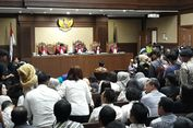 Tak Ada Politisi, Novanto Didampingi Istri dan Keluarga Saat Sidang Putusan