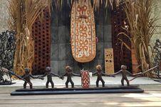 'Asmat Melihat Dunia', Lestarikan Tradisi Ukir Asmat...