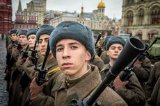 Mayoritas Warga Rusia Percaya Negaranya Bermusuhan dengan AS
