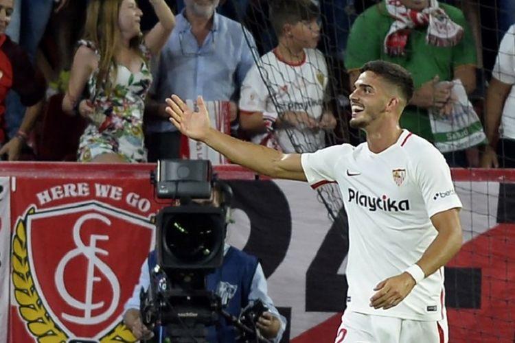 Andre Silva menjadi bintang kemenangan Sevilla atas Real Madrid di Stadion Ramon Sanchez Pizjuan, 26 September 2018.