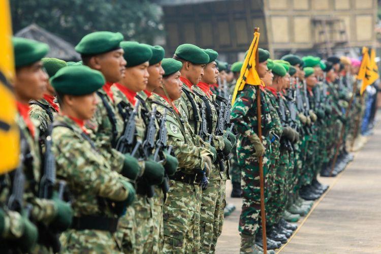 Peringatan Kemerdekaan RI ke-72 di Kabupaten Purwakarta dimeriahkan dengan defile pasukan TNI-Polri, Kamis (17/8/2017)